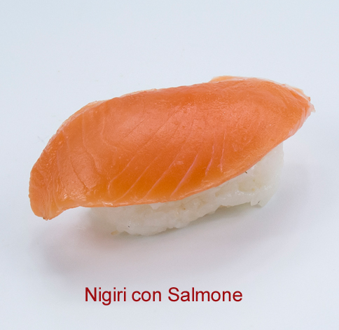 Nigiri con salmone - Sushi classic