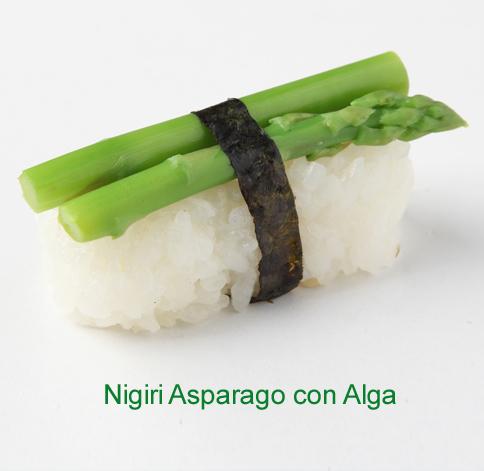 Nigiri asparago con alga - Sushi vegetariano
